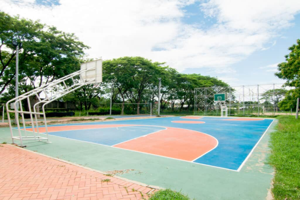 Basketball Court Dimensions: Diagram and Measurements ...